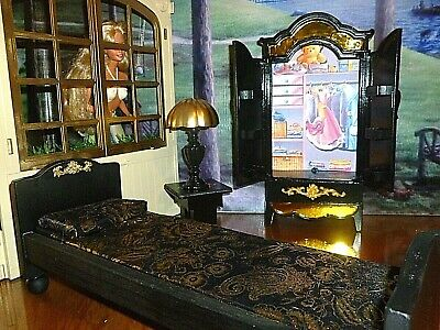 BARBIE DOLL SIZE DOLLHOUSE BEDROOM FURNITURE - BED, CLOSET, LAMP, TABLE
