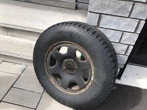 4 pneus d'hiver sur roues