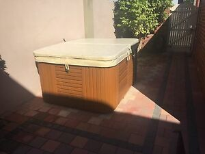 3 Seater Spa For Sale Woodbridge Swan Area Preview