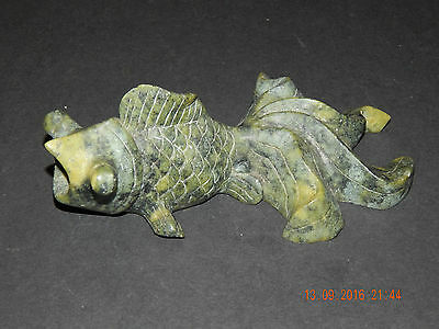 VINTAGE JAPANESE ORIENTAL MOTTLED GREEN SOAPSTONE? CARVED KOI FISH FIGURINE