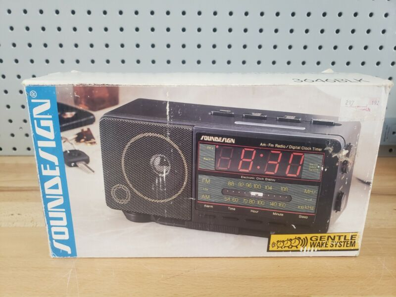 Vintage  SOUNDESIGN AM/FM Electronic Clock Radio 3646 APPEARS NEW IN BOX