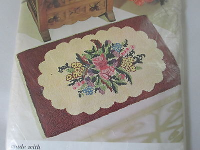 Vtg Aunt Lydia's OLD FASHIONED FLORAL Rug Wall Hanging Punch Needle Canvas #651