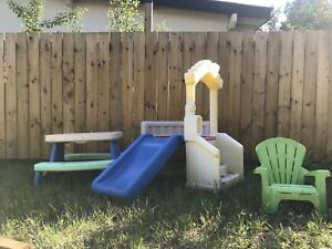 Little tikes slide/picnic table/chair