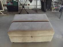 Simmons hide a bed / Ottoman / Fottstool Oonoonba Townsville City Preview