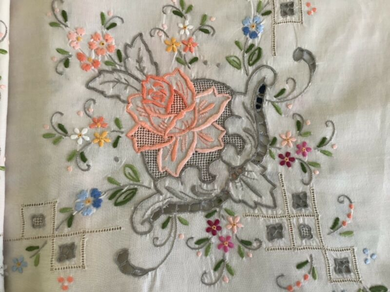 Vintage embroidered rectangular tablecloth, 98x63 + 12 napkins
