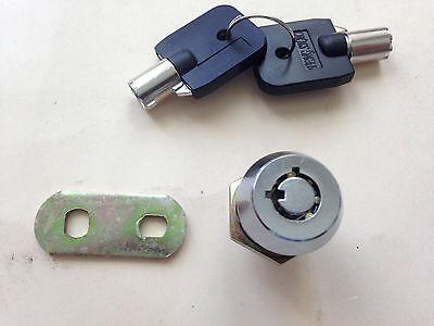 IGT IGAME -  SLOT MACHINE DOOR   LOCK AND KEYS
