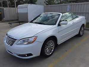 2011 Chrysler 200 Convertible Only 38Kms, 2 Owner $11,900 OBO