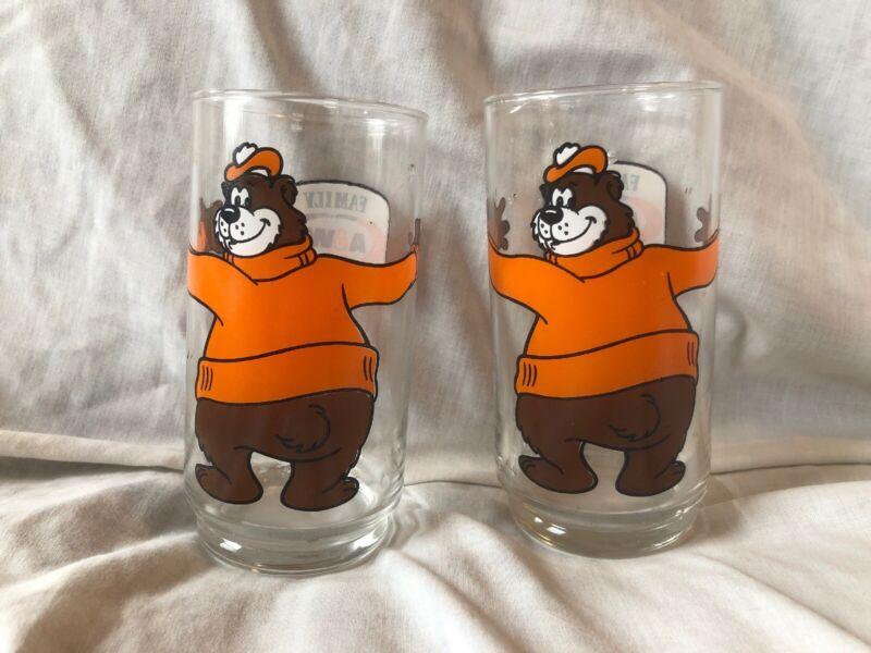 A & W VINTAGE 1970 FAMILY RESTAURANT YOGI ROOTY BEAR ROOT BEER HUG GLASSES