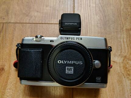 Olympus Pen E-P5 Body Only + Viewfinder