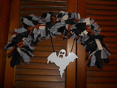 HALLOWEEN RAG GARLAND ARCH Ghost metal ornament, Prim, Homespun, Country, - Metal Halloween Archway