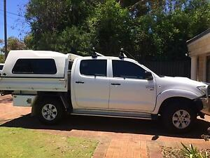 Toyota Hilux Dualcab 4wd SR Upgrade with very low KM. Mount Claremont Nedlands Area Preview