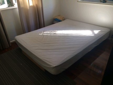 Bed mattress and air con