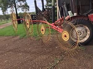 Tonutti 4wheel lucerne rake Branxton Singleton Area Preview