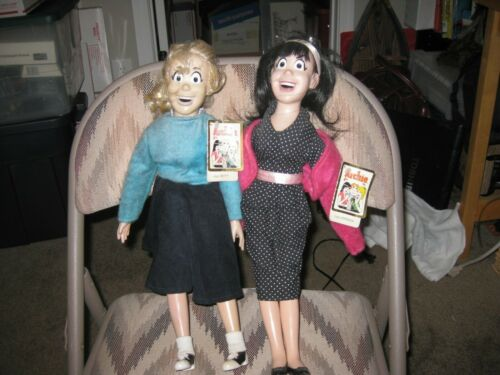 BETTY AND VERONICA DOLL SET 2 VINTAGE