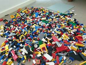 10.2  KILO ASSORTED LEGO ALL GENUINE  AUTHENTIC AND BOARD CONSTRUCTION Panorama Mitcham Area Preview