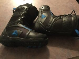 Firefly snowboard boots size 6 boys ( 24.0)