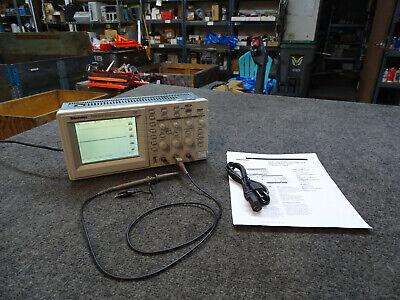 Tektronix Tds 210 60 Mhz 1 Gss Digital 2-channel Oscilloscope W Probe Tds2mm