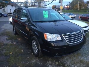 2010 CHRYSLER TOWN & COUNTRY TOURING!!!