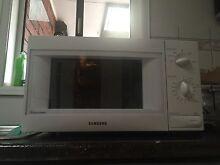 Samsung M735 800 Watt Microwave Highton Geelong City Preview