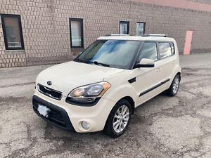 2012 Kia Soul 2U Automatic, 2 sets of tires ready for winter