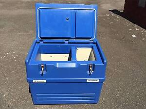 Dometic 3-way camping fridge Chescold RC1180 Fairlight Manly Area Preview