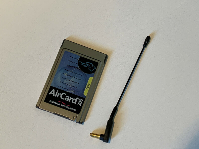 Compaq Sierra Wireless Aircard 300 Modem PC Card CDPD