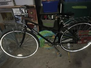 Ladies Linus bike with basket in great condition