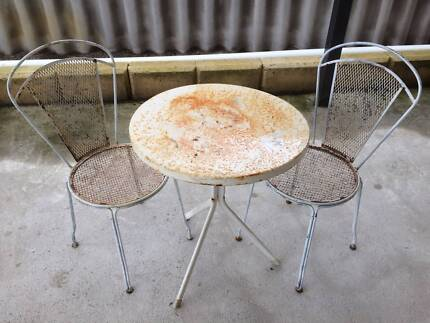 Vintage steel 3 piece outdoor setting  As pictured