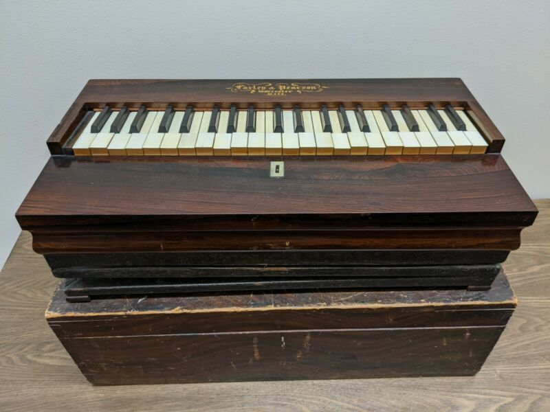 Antique Portable Melodeon Lap Organ, Farley & Pearson Worcester Mass, travel box