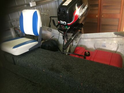 3.9 stacer great condition