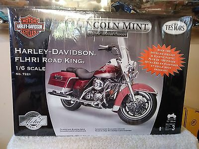 TESTORS 1/6 Scale Model Motorcycle Kit Harley Davidson Road King #7221 SEALED
