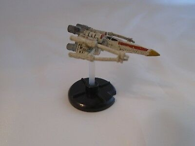 Star Wars Miniatures Starship Battles Rogue Squadron X Wing #28 with stats card