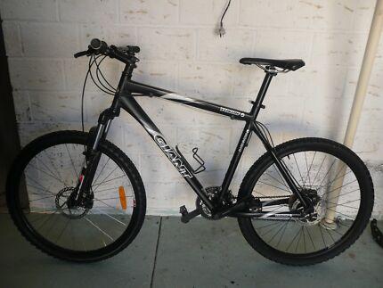 Dual disk brake Giant bike for sale