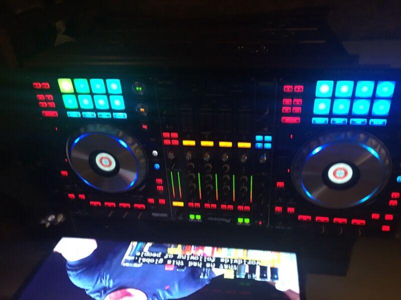 Used Pioneer DDJ-SZ Digital DJ Controller+Odyssey Flight Case - Great Condition!