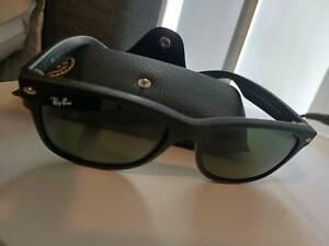 Brand new Ray Ban Wayfarer sunglasses