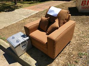 Free arm chair Cranebrook Penrith Area Preview