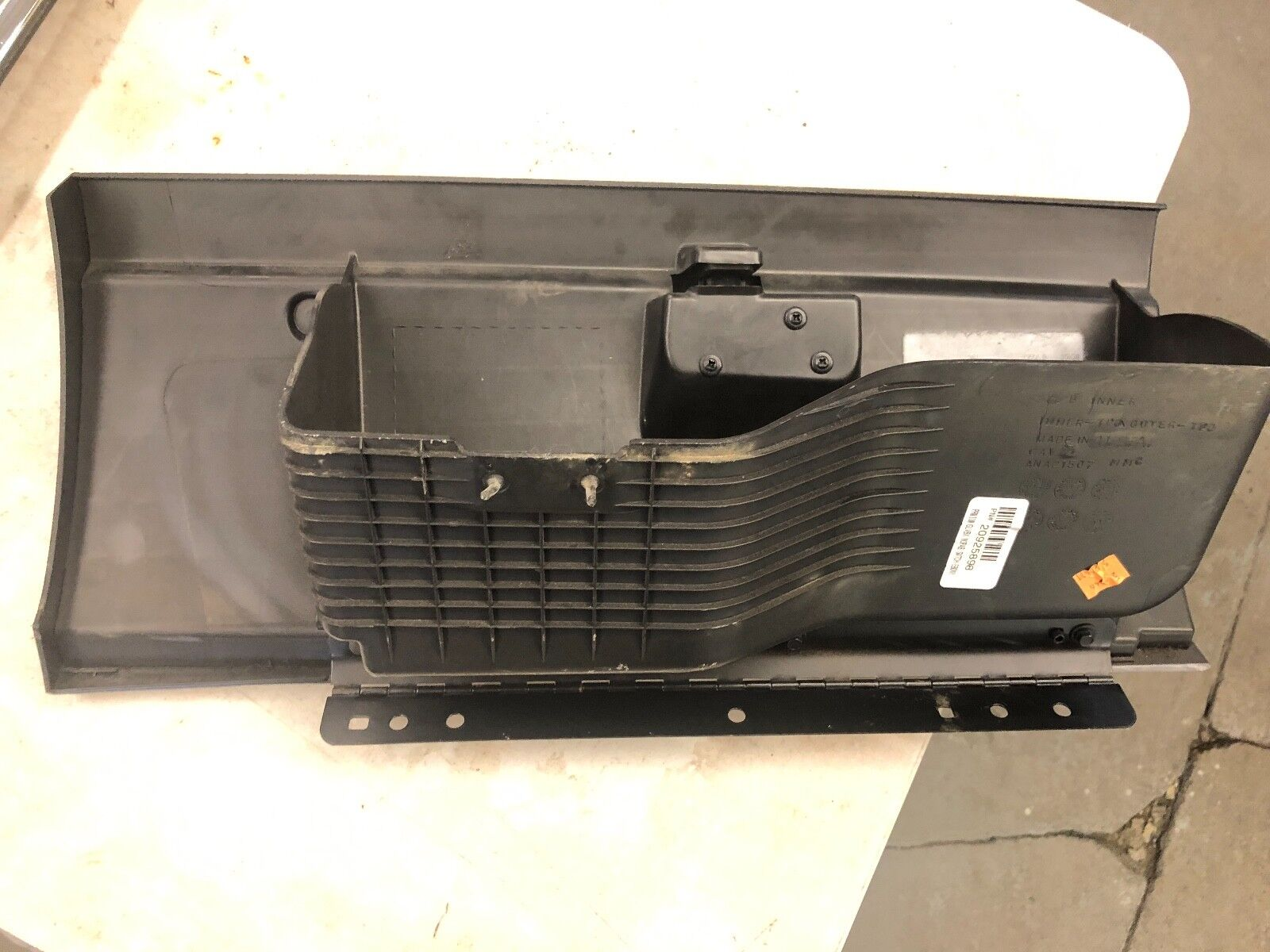 Used Chevrolet Tahoe Glove Boxes For Sale 2013 Fuse Box 2007 2014 Dark Grey Door Storage Compartment Oem