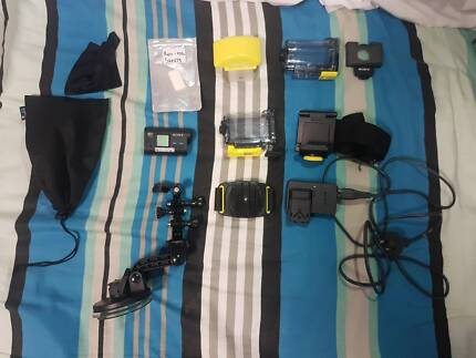 Sony Action Cam HDR-AS15 with Accessories