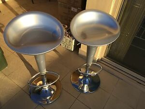 2 egg shell bar stools West Wollongong Wollongong Area Preview