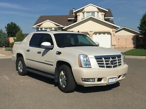 2007 Escalade EXT Low Mileage!