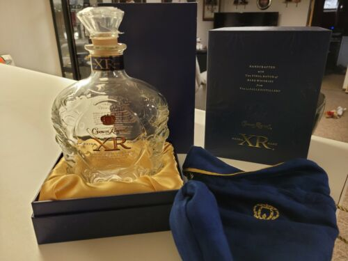 Crown Royal XR EXTRA RARE BLUE Empty Bottle Collectible, Box, Bag & sleeve