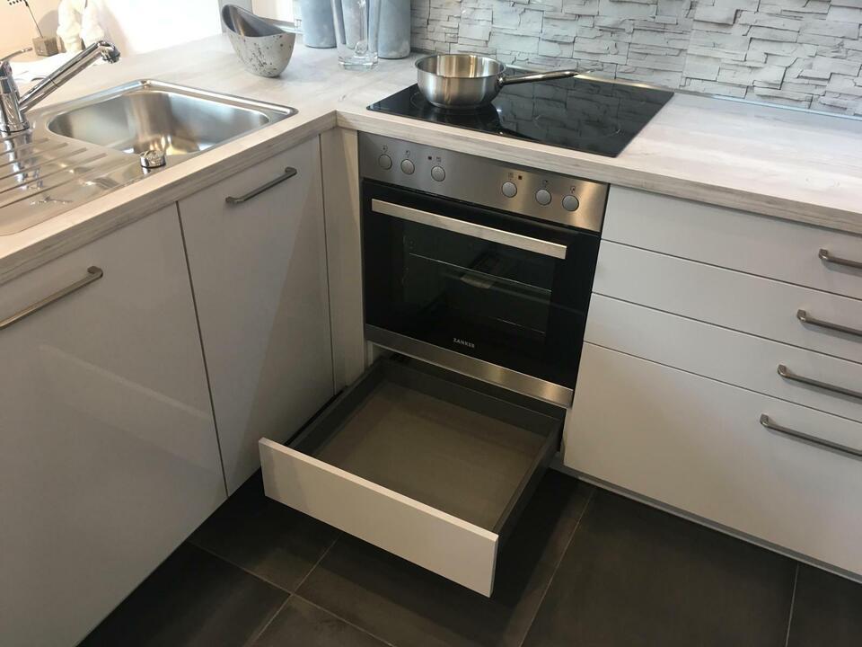 NEUE Einbauküche L-Form Küche Hochglanz D17 in Bad Salzuflen
