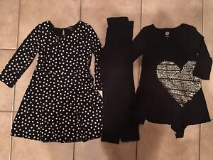 Girls size 8 tunics with tights