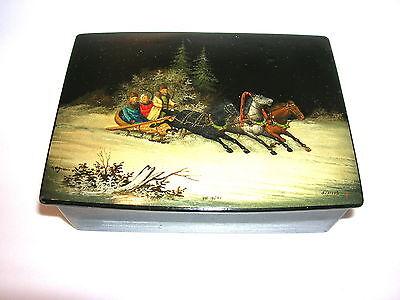 Antike russische Lackdose  Russland Fedoskino 1950 Wintertroika