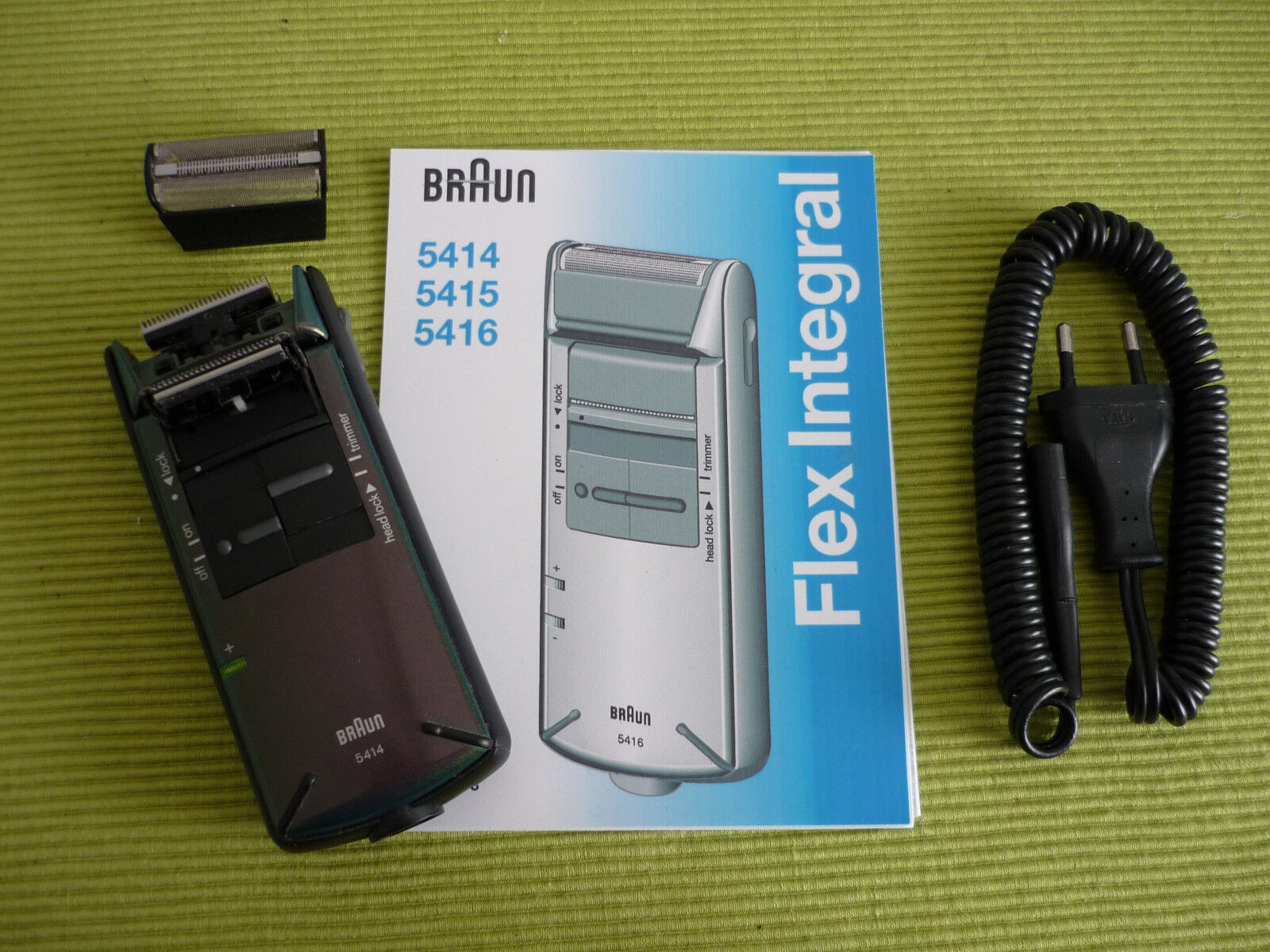 BRAUN 5414 Akku-/Netz-Rasierer Flex Integral mit NEUEM AKKU und Zubehör