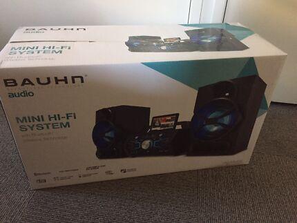 AUDIO Brand New Mini Hi Fi System CD & Bluetooth
