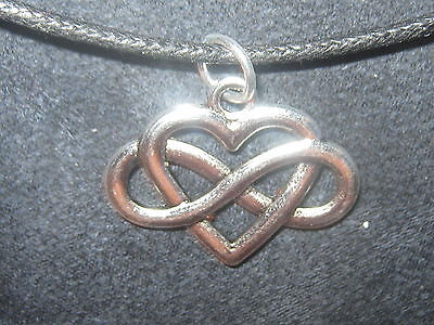 CELTIC KNOT INFINITY HEART IRELAND IRISH SILVER 25mm PENDANT CHARM NECKLACE ()