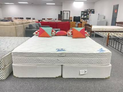 TODAY DELIVERY EXTREMELY COMFORTABLE King ensemble bed & mattress