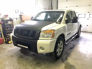 **OFFERS 2010 NISSAN TITAN LE ALL OPTIONS**