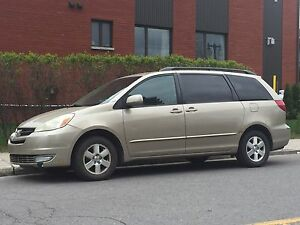 Toyota Sienna XLE 2005 for sale.